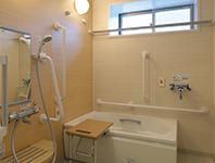 小規模多機能ホームせせらぎ浴室